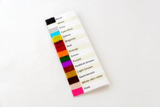 Dichtgevouwen Taktila kleurenkaart, vooraanzicht Engels.