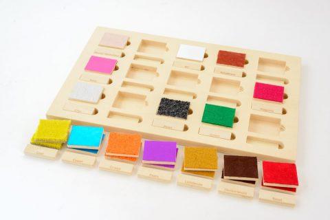Taktila introductiespel tastmemorie, bovenaanzicht met blokjes eruit